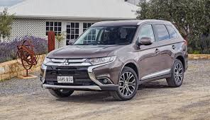 outlander mitsubishi 2017 2017 mitsubishi outlander pricing and specs new infotainment and