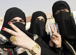 muslim women finally able to embrace manicures thanks to new