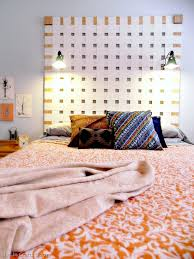 diy woven headboard from upcycled vertical blinds mad in crafts