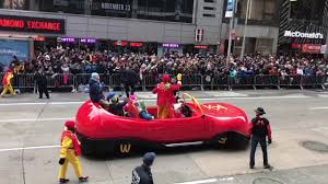 macy s thanksgiving day parade 2016 ronald mcdonald flying