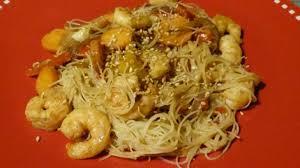 cuisiner vermicelle de riz vermicelles de riz aux crevettes recette par gourmicom