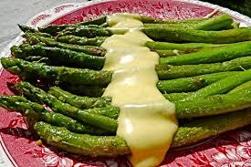 cuisiner asperges fraiches recette de asperges blanches fondantes et sauce hollandaise rapide