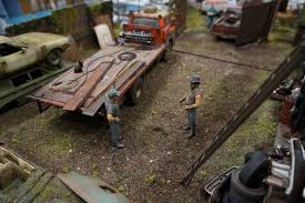 car junkyard diorama interstate classics wrecking yard 1 25 scale model diorama