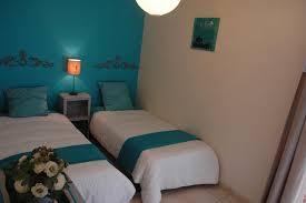 chambre et turquoise chambre turquoise gîte philéas château des landes votre mariage