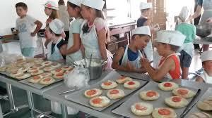 ateliers cuisine enfants recette du burger corse paese di lava vacances en