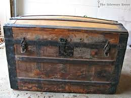 furniture black and gold steamer trunk with one key for antique