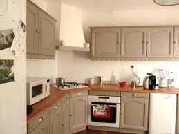 cuisine taupe et bois cuisine taupe et blanc stunning cuisine blanche et taupe cuisine