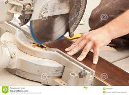 Free Laminate Flooring Contractor Using Circular Saw Cutting Of New Laminate Flooring