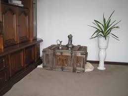 Wohnzimmer Tisch Holzkiste Www Abisuk Com 60657011407102 Wohnzimmer Tisch Truhe Just