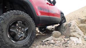 daystar lift kit is real renegade on the rocks crawling a jeep renegade trailhawk up a