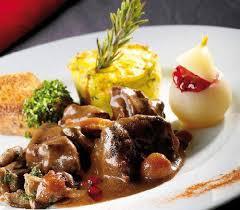 cuisiner la biche civet de biche grand veneur arts gastronomie