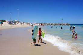 forecast rain on christmas eve sunny for christmas perth s christmas day weather forecast fine and sunny after freak