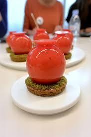 cours cuisine michalak tarte pistache fraise réalisée par le chef françois daubinet lors d