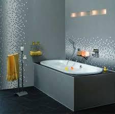badezimmer tapete bad und küche in frischem look badezimmer