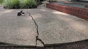 Cracked Concrete Patio Solutions by Diy Concrete Repair By Mighty Mortar Mightymortar Com Youtube