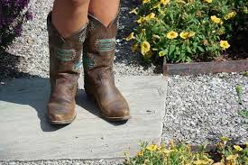 Comfortable Cowboy Boots For Walking 10 Best Cowboy Boots For Women To Grab This Winter November 2017