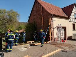 Bad Bergzabern Thw Ov Bad Bergzabern Gebäudesicherung Nach Verkehrsunfall