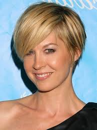 short blonde hairstyle 2017