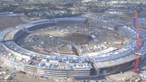 apple u0027s u0027spaceship u0027 campus taking shape in drone video offering