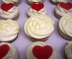 ruby wedding cakes ruby wedding cupcakes