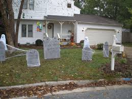 Homemade Halloween House Decorations by Outdoor Halloween Graveyard Cool Homemade Halloween Decorations