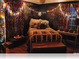 Indie Wall Decor Bedroom Cool Hipster Bedroom Ideas With Black Wall Decor And
