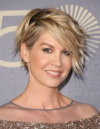 oval face hairstyles jennifer aniston and more celebs