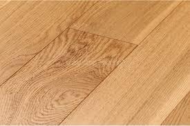 Hdf Laminate Flooring Engineered Hdf Oak Natural Brushed 125 X 10mm Easy Step Flooring