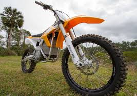 top motocross bikes this motorcycle sold me on electric dirt bikes gizmodo australia