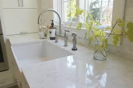 what color backsplash with white quartz countertops choosing the quartz color for countertops hello lovely