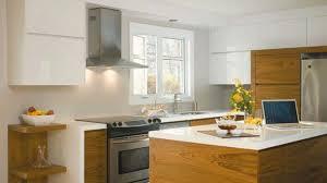 cuisine bois et blanc laqué cuisine blanche et bois affordable la cuisine blanche et bois en