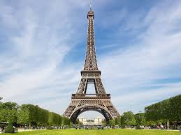 there is a secret apartment at the top of the eiffel tower condé