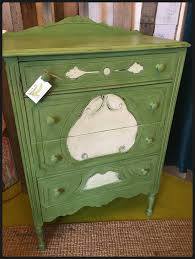 Upcycling Furniture - upcycling your furniture with diy paint