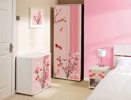 pink bedroom accent wall pink black lines pattern painted wall