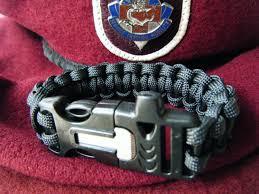 fire cord bracelet images Prepper make a para cord bracelet with whistle fire starter jpg