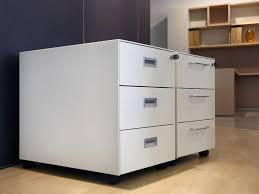 cassettiere ufficio cassettiera operativa in metallo verniciato in vari colori idfdesign