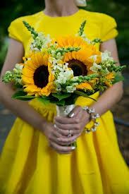 sunflower wedding bouquet wedding flower ideas for outdoor weddings