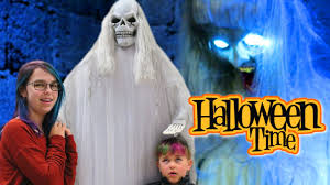 halloween shop spirit spirit halloween store costumes and scary decorations youtube