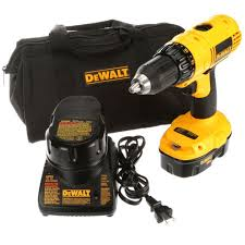 dewalt 18 volt nicd cordless 1 2 in compact drill driver kit with