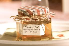 wedding favor jars honey jar wedding favors use a cloth that matches your wedding