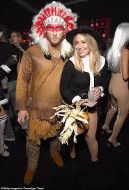 Snooki Halloween Costume Twitter Calls Hilary Duff Boyfriend Jason Walsh