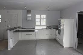 deco cuisine blanche et grise carrelage mural de cuisine moderne pour decoration cuisine moderne