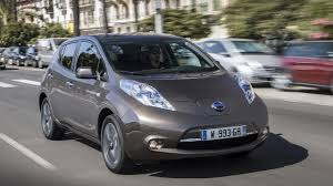 nissan leaf uk review 2016 nissan leaf 30kwh first drive auto trader uk