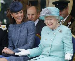 Queen Of England Meme - donald trump won t be meeting queen elizabeth anytime soon w magazine
