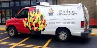 edible deliveries edible arrangements sues ads for rival companies