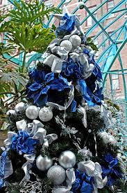 Christmas Tree With Blue Decorations - christmas tree decorating ideas blue and silver roselawnlutheran