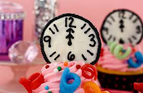 New Years Eve Cupcake Decorations by 40 Ideas For Kid Friendly New Years Eve Party