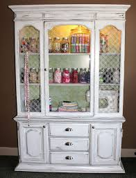 Small China Cabinet Hutch by Best 25 Refinished China Cabinet Ideas On Pinterest China Hutch