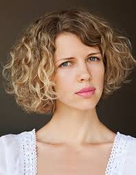 Curly Bob Frisuren by 76 Best Corte Wavy Bob Images On Hairstyles