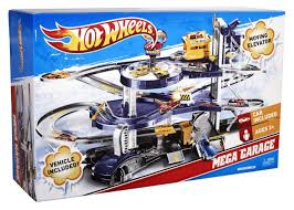 How Big Is A 3 Car Garage by Amazon Com Mattel Wheels Mega Garage Playset Mattel V3260